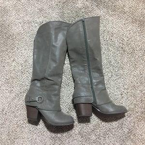 Fergalicious Sz 7 Boots